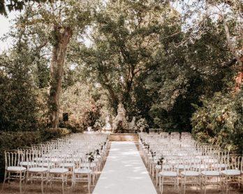 Un mariage élégant au Château de Roquelune en Occitanie - Photos : Lorenzo Accardi - Blog mariage : La mariée aux pieds nus