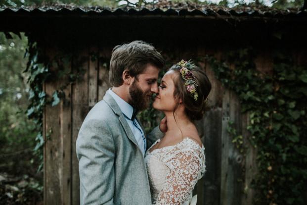 Un mariage rustique et champêtre dans une forêt des Landes - A découvrir sur le blog mariage www.lamarieeauxpiedsnus.com - Photos : Yoris Photographe