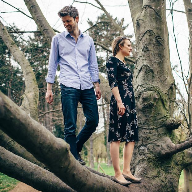 Sandrine Bonnin - Une séance engagement dans les bois - La mariee aux pieds nus