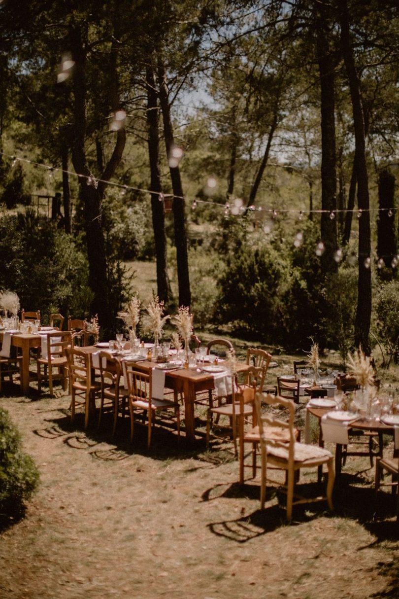 Un mariage simple et bohème dans le Var - Photos : Juli Etta - Blog mariage : La mariée aux pieds nus