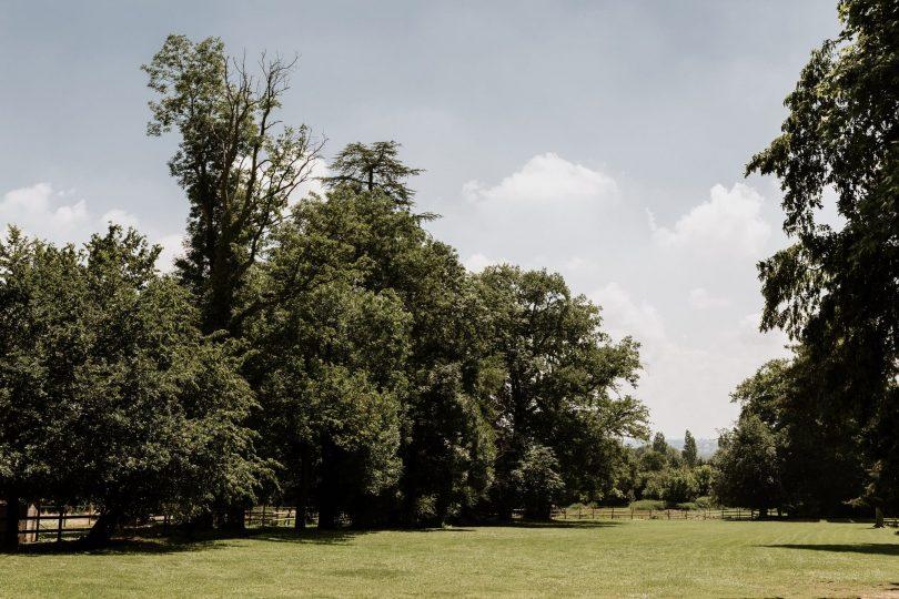 Un mariage simple au Château de Beauchamp en Bourgogne - Photos : Laurent Brouzet - Blog mariage : La mariée aux pieds nus