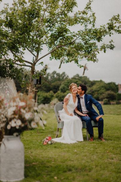 Un mariage champêtre et coloré en Normandie - A découvrir sur www.lamarieeauxpiedsnus.com