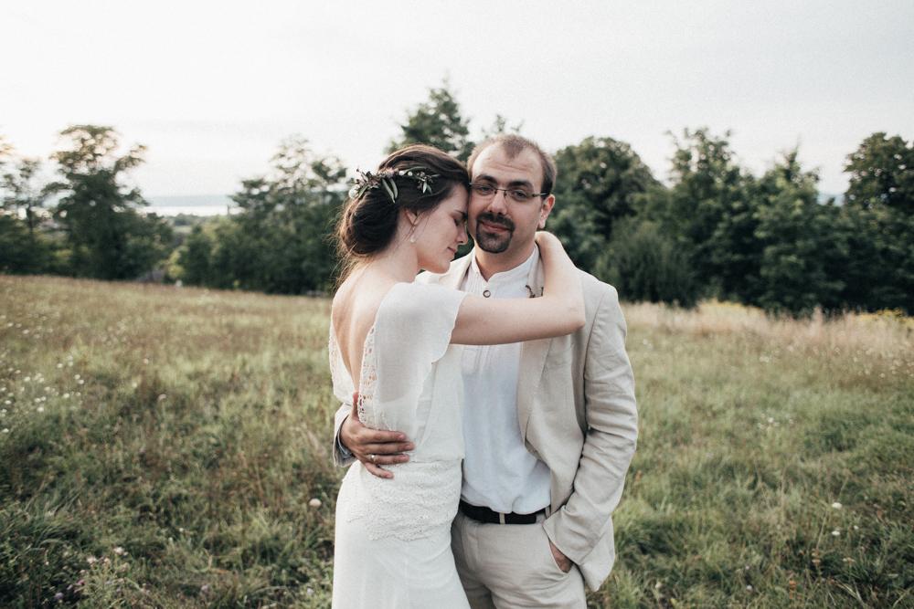 Un mariage simple et rustique en Hongrie , A découvrir sur le blog mariage www.