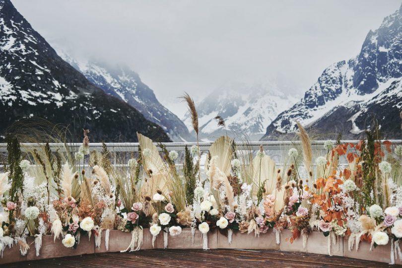 Un mariage au Terminal Neige - Refuge de Montenvers à Chamonix - Photos : Le joli studio et David Picchio - Blog mariage : La mariée aux pieds nus