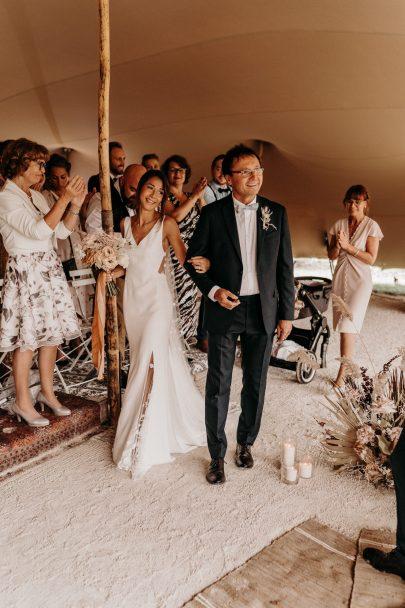 Un mariage terracotta aux Domaines de Patras en Provence - Photos : Lorenzo Accardi - Blog mariage La mariée aux pieds nus