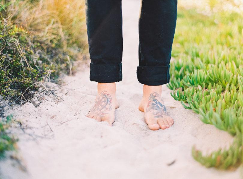 Marion H Photography - Un mariage sur la plage en Nouvelle Zélande - La mariée aux pieds nus