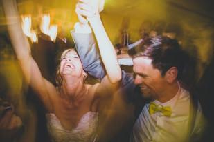 Ricardo Vieira - Un mariage petit budget en jaune -  La mariee aux pieds nus