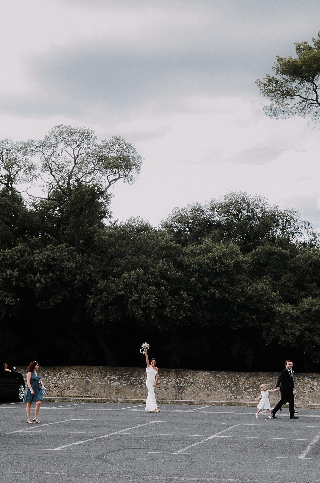 Milie Del - Photographe mariage - Blog mariage : La mariée aux pieds nus