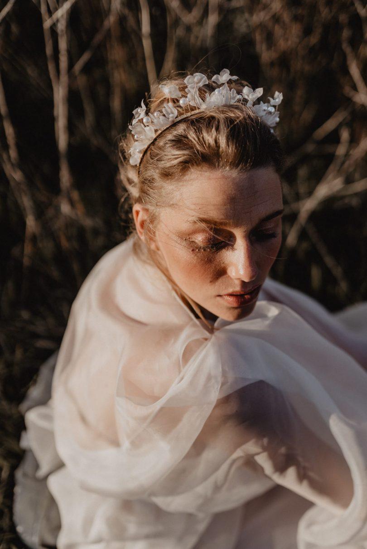 Mme Hair - Accessoires de mariée - Collection 2021 - Photos : Clarisse et JOhan - Blog mariage : La mariée aux pieds nus