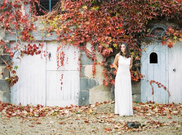 Naves - Robes de mariée - A découvrir sur le blog mariage www.lamarieeauxpiedsnus.com - Photos : Frédéric Fradin