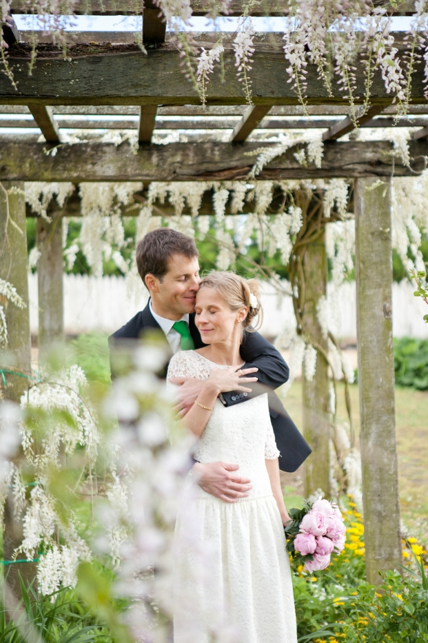 Pauline F Photography - Un mariage en vert - La mariee aux pieds nus