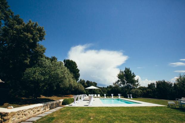 Lorenzo Accardi - Un mariage a Avignon - Domaine de La pelatiere - Vaucluse - La mariee aux pieds nus