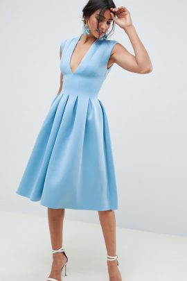Une sélection shopping de tenues d'invitées pour un mariage en bleu - La mariée aux pieds nus