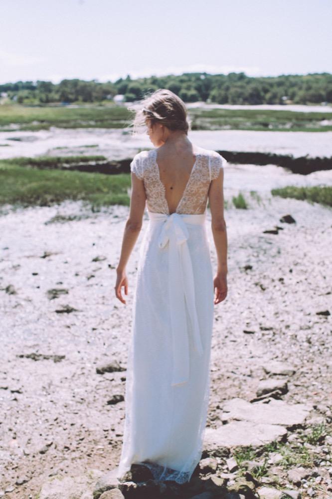 La mariée aux pieds nus - Photo : Laurence Revol - Robe de mariée Lorafolk - Collection 2016 - Modele Edith