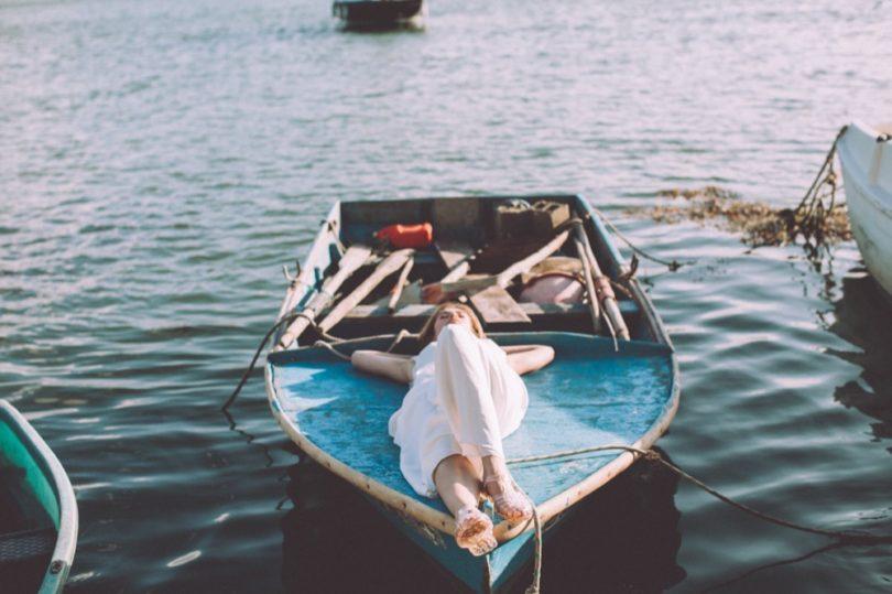 La mariée aux pieds nus - Photo : Laurence Revol - Robe de mariée Lorafolk - Collection 2016 - Modele Marta