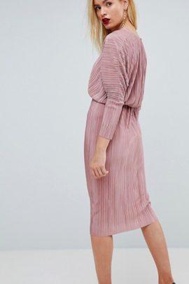 Dress code mariage en rose - Idées de tenues pour les invités et demoiselles d'honneur : Blog mariage : La mariée aux pieds nus