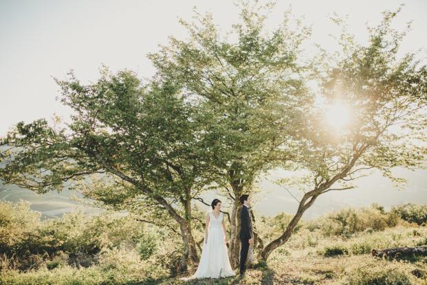 Comment choisir son photographe de mariage - Un article à lire sur le blog mariage www.lamarieeauxpiedsnus.com - Photo :