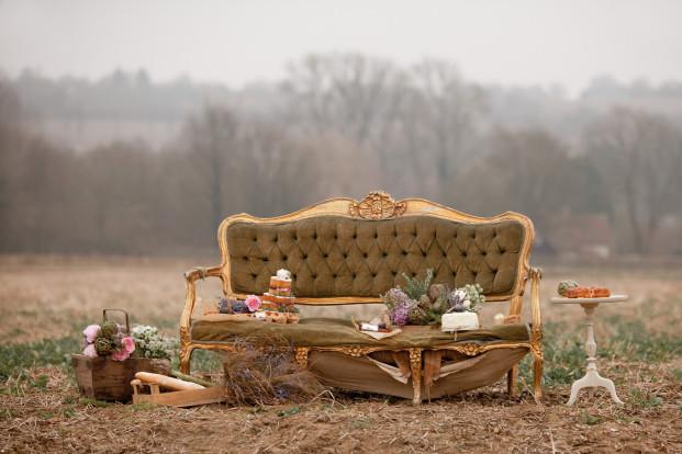 ©Naomi Kenton - Shooting  d'inspiration Provence rustique - La mariee aux pieds nus