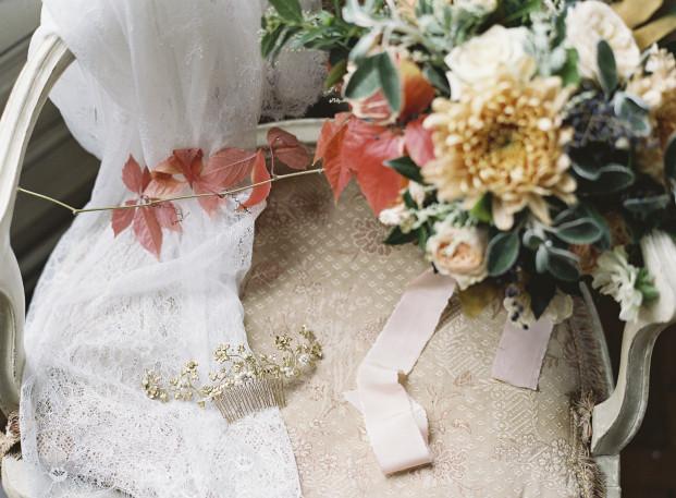 So Helo et Cleophina - Accessoires de mariée - A découvrir sur le blog mariage www.lamarieeauxpiedsnus.com - Photos : Ludovic Grau Mingot