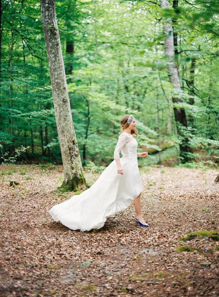 Blog mariage - La mariée aux pieds nus - Photo : L'artisan Photographe - Stéphanie Wolff - Robes de mariée - Robe California