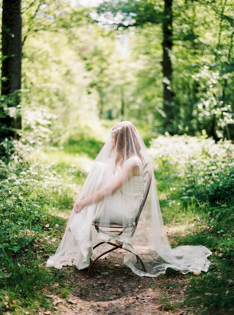 Blog mariage - La mariée aux pieds nus - Photo : L'artisan Photographe - Stéphanie Wolff - Robes de mariée - Collection 2016 - Voile Valenciennes