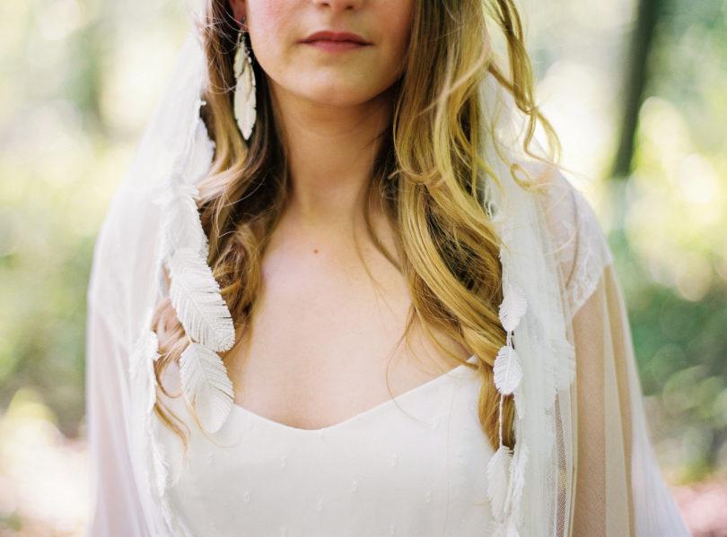 Blog mariage - La mariée aux pieds nus - Photo : L'artisan Photographe - Stéphanie Wolff - Robes de mariée - Collection 2016 - Voile Feather