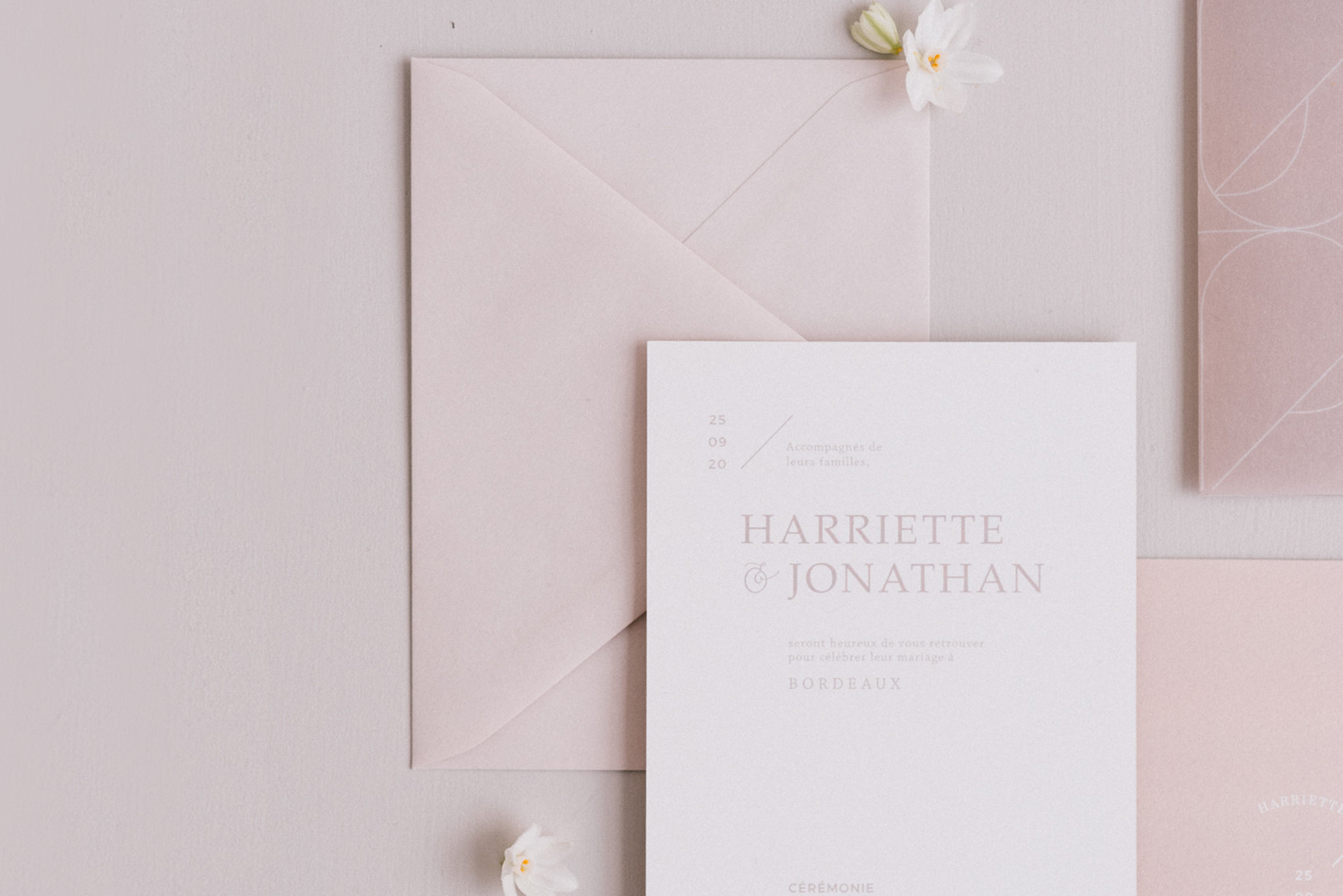 Comment rédiger ses faire-part de mariage - Conseils et astuces sur le blog mariage La mariée aux pieds nus
