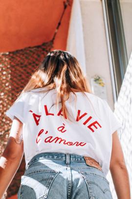 Des tee-shirts qui parlent d'amour - La mariée aux pieds nus