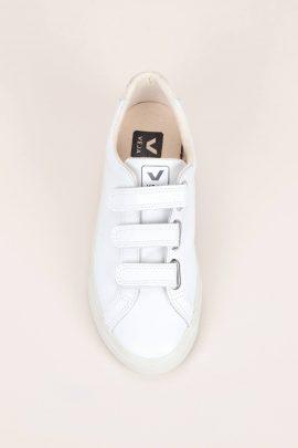 Ou trouver de jolies chaussures plates pour son mariage ? Sélection shopping sur le blog mariage La mariée aux pieds nuschaussures-plates-mariee-lamarieeauxpiedsnus-2