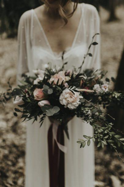 Un mariage simple et éco-responsable à La Roche Couloir - Stylisme : Marie Svetlana Kadjo - Wedding and Happiness - Photos : Cécile Bellu - Blog mariage : La mariée aux pieds nus