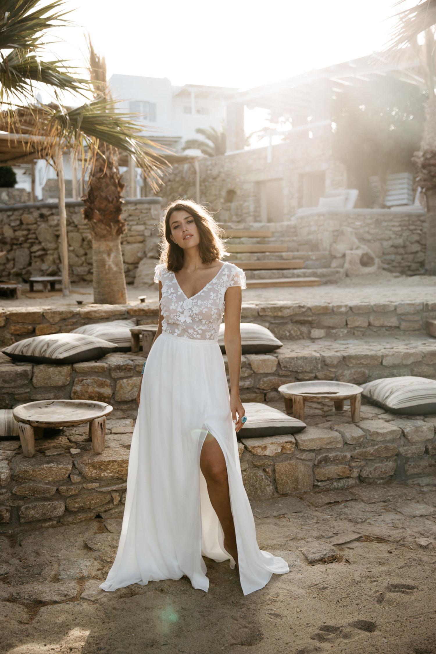 Yvonne et Celestine - Showroom robes de mariée créateurs - Bordeaux - La mariée aux pieds uns
